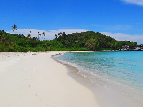 Pulau Penjalin: Picture-perfect beaches